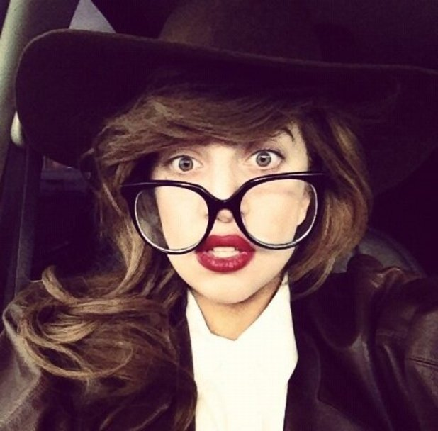 lady-gaga-nerd-glasses